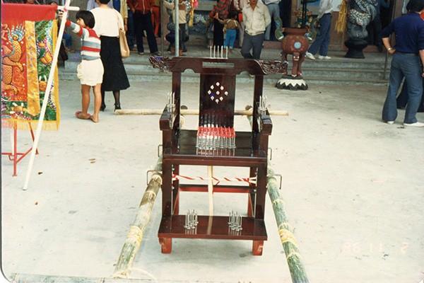永元宮釘椅